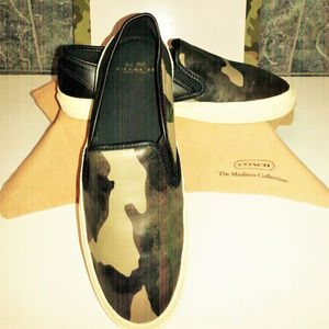 "COACH ""CHRISSY"" CAMO LEATHER SKATE SLIP ON/DUST 8B"